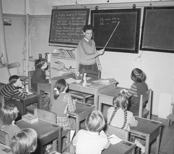 Teacher in front of a classroom