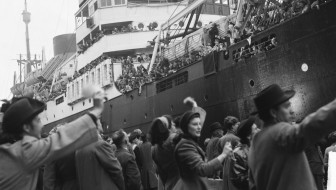 Departure of an emigrant ship
