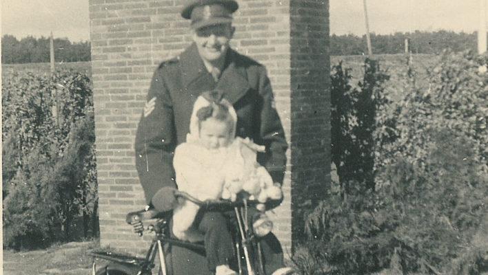 Jan and Els on a bike